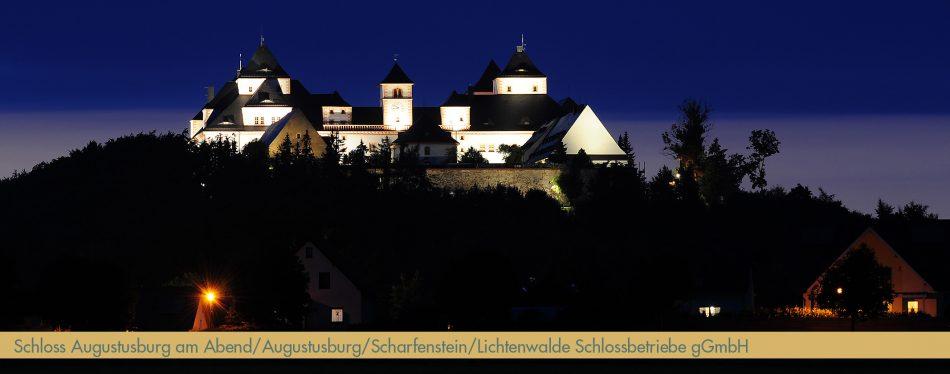 Abendaufnahme Schloss Augustusburg_ Foto_Schlossbetriebe_Die_Sehenswerten_Drei_bearb_schmal