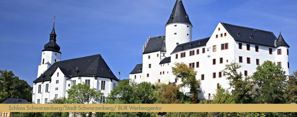 Schloss_Kirche_Schwarzenberg_freigegebenes-Bild_von_Stadt_BUR-Werbeagentur-GmbH_bearb_schmal